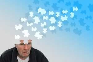 Alzheimer et vieillir à la maison