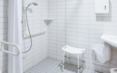 Adapter une salle de bain pour favoriser le maintien à domicile d'une personne âgée
